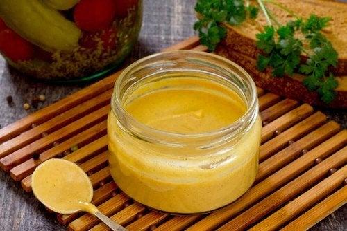 Condire l'insalata con succo d'arancia, consigli e ricette