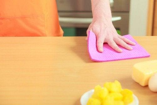 Disinfettare gli strofinacci da cucina