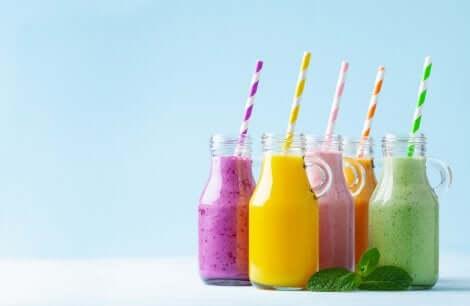 Cibi che fanno ingrassare: succhi di frutta.