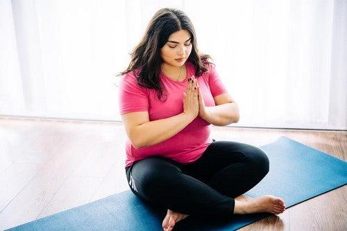 Yoga per chi è in sovrappeso: 10 motivi per sceglierlo