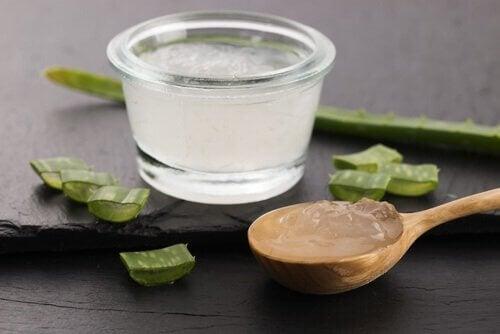 Gel di aloe vera per trattare la colite ulcerosa