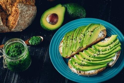 Oli e grassi naturali che fanno bene alla dieta