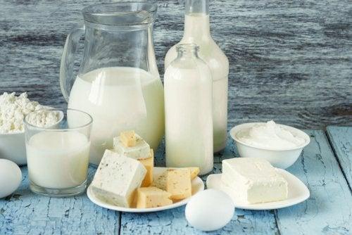 Latte e altri prodotti derivati raggruppati