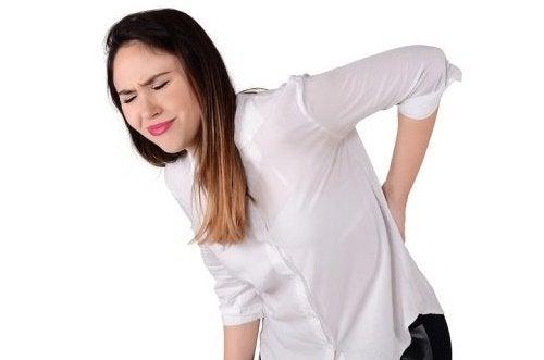 Calmare la sciatica con esercizi di allungamento
