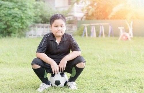 Esercizi divertenti per combattere l'obesità infantile