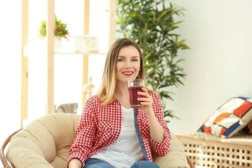 Benefici del tè rosso: la bevanda che aiuta a dimagrire