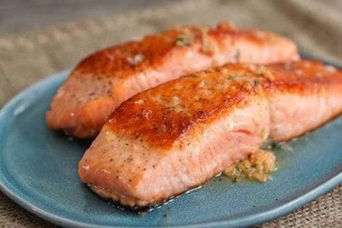 Salmone arrosto per rafforzare le articolazioni