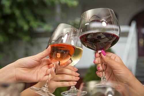 È meglio un vino caro o uno economico per la salute?