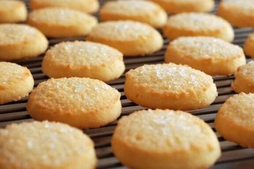 Biscotti alle mandorle semplici da preparare