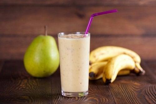Frullato con pere e banane