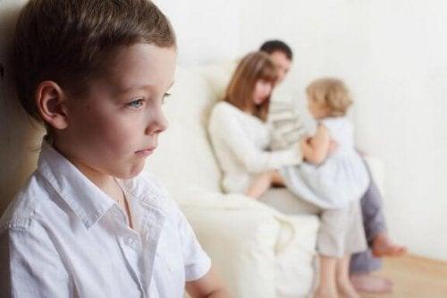 Gelosia tra fratelli: come prevenirla e gestirla