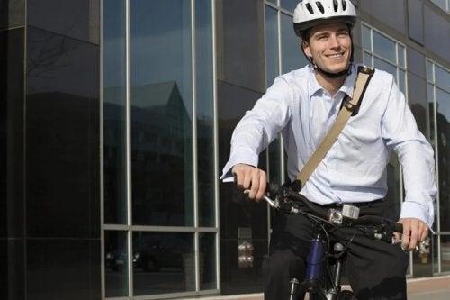 Lavoratore in bicicletta