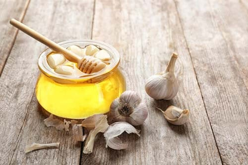 6 potenti rimedi a base di aglio che dovete conoscere