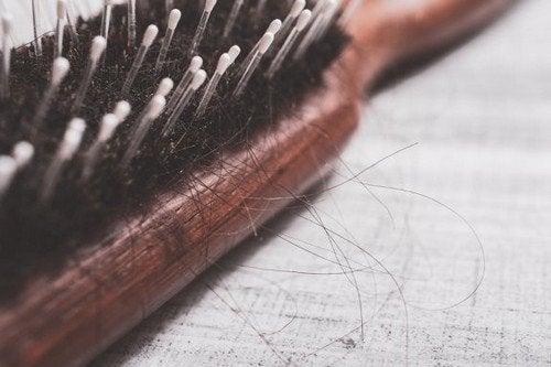 Trattare l'alopecia in modo naturale