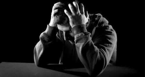 Uomo con depressione