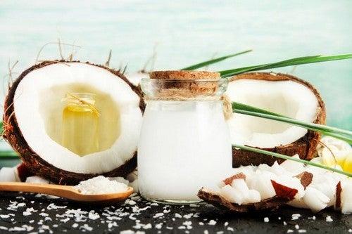 Aceto di cocco: principali usi e benefici
