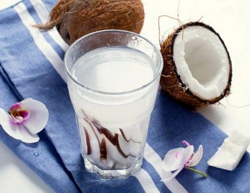 Acqua di cocco tonici naturali