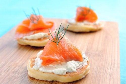 Blinis di salmone affumicato