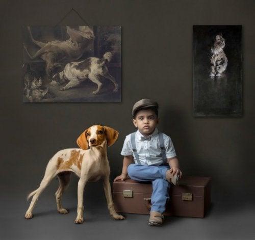 Bambino con cagnolino
