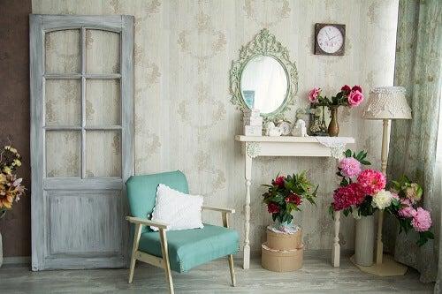 Restaurare i mobili antichi per dargli nuova vita