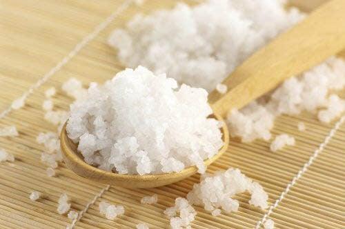Cucchiaio con sale