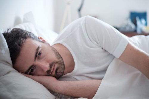 Una delle abitudini nascoste delle persone depresse è dormire