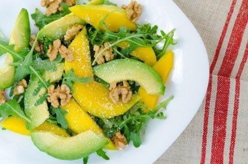 Insalate miste di mango