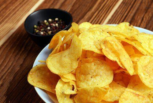 Patate fritte croccanti stile chips
