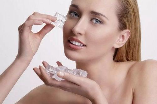 Restringere i pori dilatati ghiaccio