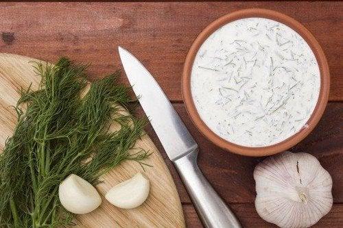 Ricetta della salsa tartara e della salsa all'aglio