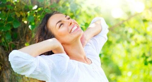 Riparare i capelli danneggiati con 5 rimedi naturali