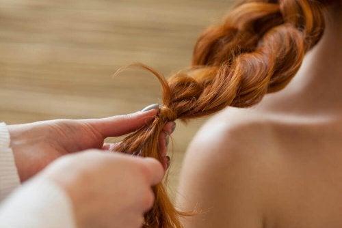 Treccia morbida per capelli rossi
