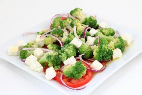 Verdure cotte al vapore con formaggio gratinato