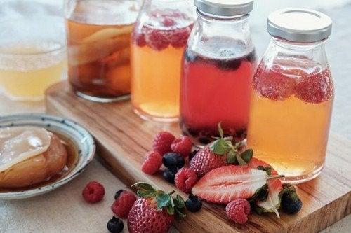 Acqua aromatizzata alla frutta: semplici ricette
