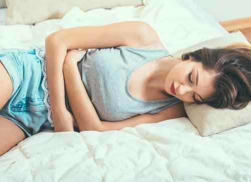 Ciclo mestruale tra motivi per cui le donne sentono più freddo degli uomini
