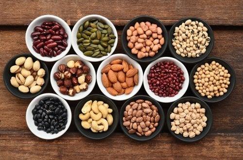 Alimenti ricchi di zinco: semi e frutta secca