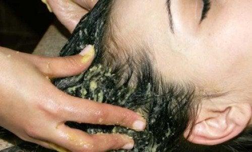 Alimenti per rinforzare i capelli naturalmente