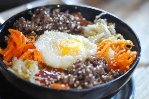 Bibimbap o riso coreano passo a passo