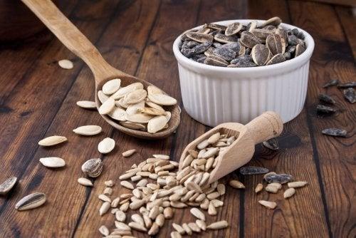 Alimenti ricchi di zinco: semi di zucca e di girasole