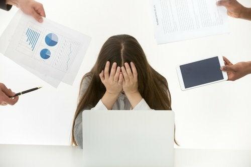Stress al lavoro tra le abitudini da evitare in gravidanza