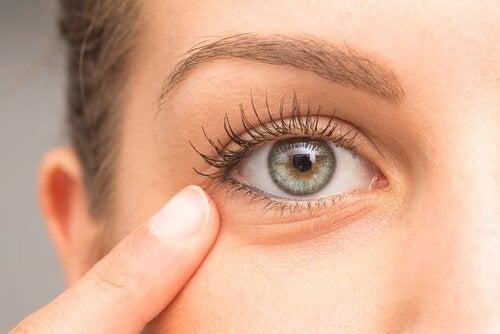 Trattamenti casalinghi contro le occhiaie