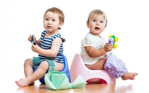 Bambini sul vasino cause di stitichezza nei neonati