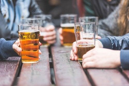 Bere birra in compagnia