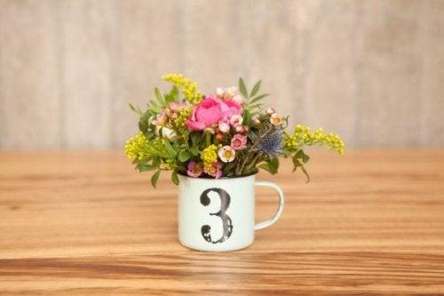 Tazza con i fiori
