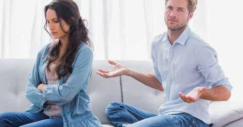 Il mio ex mi tratta con disprezzo: cosa fare?