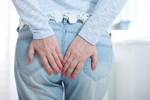 Trovare sollievo dalle emorroidi con alcuni utili consigli