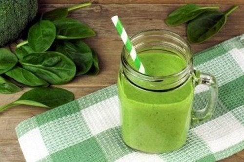 Frullati verdi da includere nella dieta