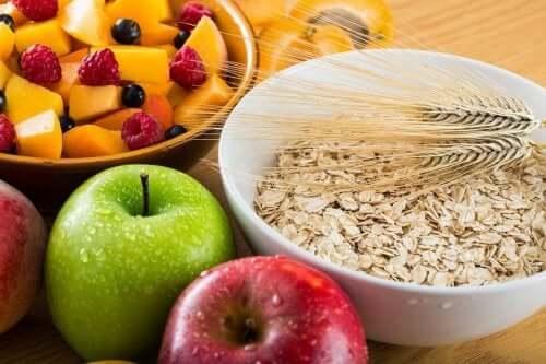 Alimenti ricchi di fibre per trovare sollievo dalle emorroidi