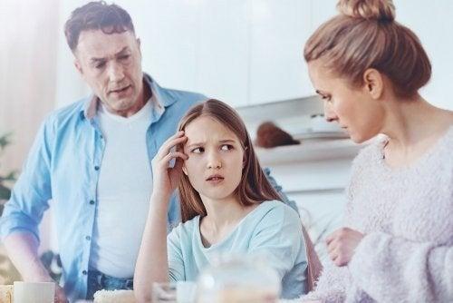 Adolescenti che dicono bugie, cosa fare?