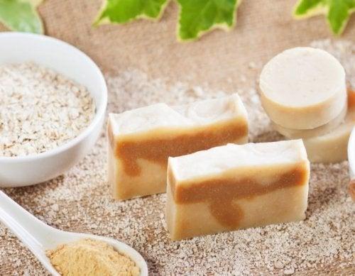 sapone naturale e farina di avena